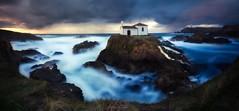 VIXE DO PORTO (alexgsf) Tags: roja panoramica virxedoporto galicia atardecer sunset longexposure eos6d tokina1116 paisaje mar beach nature landscape ermita valdoviño