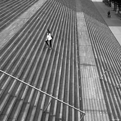 Paris - 09-2017 (No.Made) Tags: paris bnf blackandwhite noiretblanc monochrome streetphotography street photoderue people ombre vs