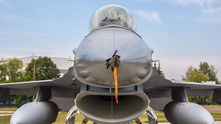 Face to face with F-16A block 15