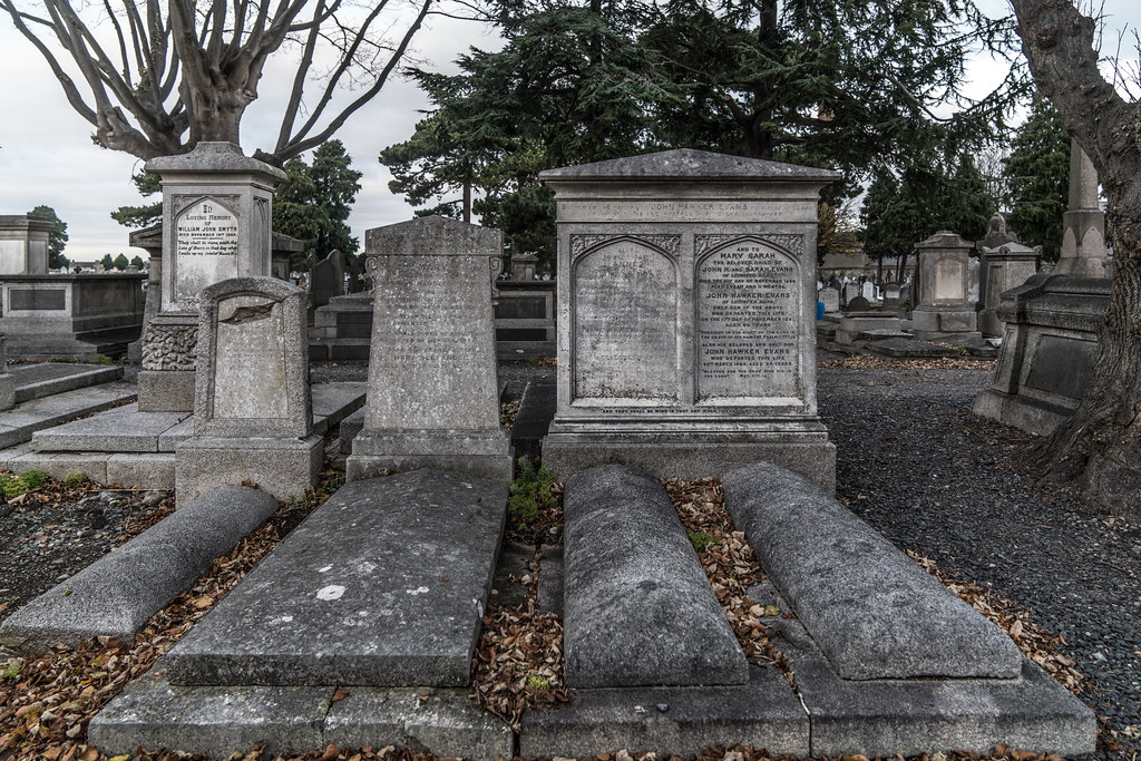 MOUNT JEROME CEMETERY IS AN INTERESTING PLACE TO VISIT [IT CLOSES AT 4PM]-134300