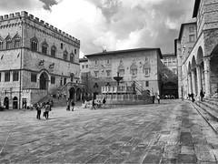 Perugia !! (Sound_of_happiness) Tags: monocromo monochrome explore inexplore bianconero beautiful città city picture blackandwhitephotography europe italy perugia
