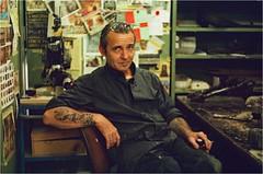 Le Mari de la Tatoueuse (OLDLENS24) Tags: tattoo tatouage shop vintage garage analogue analogique