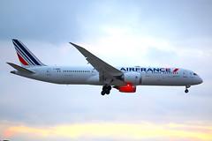 Air France F-HRBB (shumi2008) Tags: airfrance airfrance787 airfrancedreamliner air france789 boeing787 boeing7879 dreamliner skyteammember toronto pearsonairport yyz cyyz