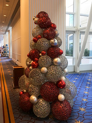 IMG_1412 (TruffShuff) Tags: 2016 gaylordhotel ice md maryland nationalharbor oxonhill december2016