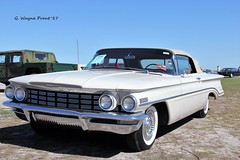 1960 Oldsmobile Dynamic 88 Convertible (Gerald (Wayne) Prout) Tags: 1960oldsmobiledynamic88convertible 2017winterfloridaautofestlakeland lakelandlinderregionalairport cityoflakeland polkcounty florida usa stateofflorida prout geraldwayneprout canon canoneos60d eos 60d digital camera photographed photography display 1960 oldsmobile dynamic 88 convertible gm generalmotors 2017 winter autofest lakeland linder regional airport polk county vehicle automobile classic vintage antique historical car carshow carlisleauctions carlisle auction