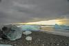 Islanda-45 (msmfrr) Tags: jökulsárlón glacier lagoon iceland islanda landscape alba sunrise ice ghiaccio laguna ghiacciaio sea beach water iceberg bay clouds nuvole