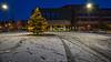 Tannenbaum am Marktplatz (fotos_by_toddi) Tags: rot fotosbytoddi voerde niederrhein nrw nordrhein westfalen schnee weihnachtsmarkt weihnachten christmas xmas snow letitsnow sony sonya7 sonyalpha7 sky alpha a7 alpha7 marktplatz neu rathaus