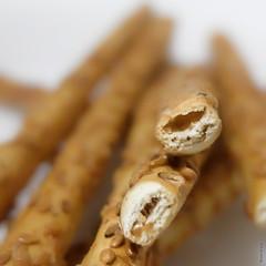 Sesame #Stick  ....  #MacroMondays (Feriel. L) Tags: snack food sticks light dof bokeh macrophotographie hmm salt macromondays stick