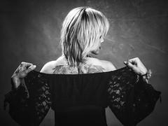 En estudio (Antonio Goya) Tags: bn blancoynegro blackandwhite bw woman girl beauty hair tatoo tatuaje retrato gym blondie dress olympus omd micro43 mirrorless evil zuiko dng dzoom xataca zaragoza españa spain