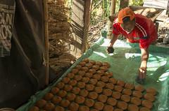 Moulage des pains de Panela (Rosca75) Tags: colombia colombie panela panelafabric lifestylephotography