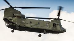 RNLAF CH-47 performing some exercises (Nicky Boogaard) Tags: aviation dmaviation avgeek avporn gilzerijenab gilzerijen airbase netherlands rnlaf koninklijkeluchtmacht ch47 chinook d103
