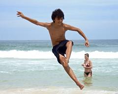 Footvolley at Leme beach (Outdoor Life) Tags: jump footvolley sport futbol ball sand arena boy guy garoto cute nice beautiful water beach playa funny enjoying rio de janeiro brasil brazil have fun outdoors candid brazilian blue azul brasileño futevolei 2017 leme