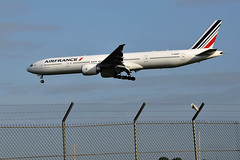 F-GSQT (mduthet) Tags: fgsqt boeing b777 photodemado airfrance orly