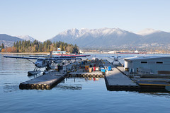 Vancouver Harbour Airport CYHC Overview (atcogl - ATC @ YYZ) Tags: cxh cyhc vancouver harbour coalharbour seaplane floatplane waterairport vancouverharbourflightcentre bc canada britishcolumbia overview airport mountains canon eos 5dmarkiv 24105f4lis