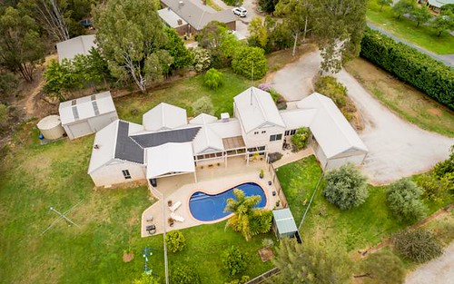 18 Charters Dr, Moama NSW 2731