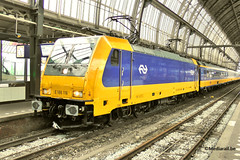 TRAXX E186-116 NS at Amsterdam-CS - 06 April 2016 (Mediarail.be) Tags: ns nederlandse spoorwegen rail bahn station amsterdam tourism bahnhof spoor holland paysbas niederland traxx bombardier e186 intercity benelux