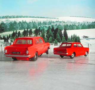 Vauxhall Viva Slot Car By Airfix And Dinky Toys Vauxhall Viva No.136 1965 Restoration : Diorama Winter Scene - 2 Of 34