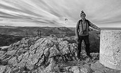 cima del Ernio (Luis Mª) Tags: luis blancoynegro monocromático montaña ernio parapente