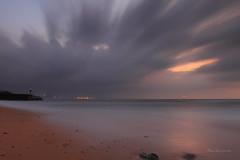 動與靜 (Lavender0302) Tags: 夕陽 流雲 六塊厝 屯山 淡水 新北市 台灣 taiwan sunset clouds