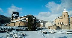 Vic d'Oust (Ariège) (PierreG_09) Tags: ariège pyrénées pirineos couserans neige hiver village oust vicdoust chapelle église clocher château roman mh manoir roquemaurel