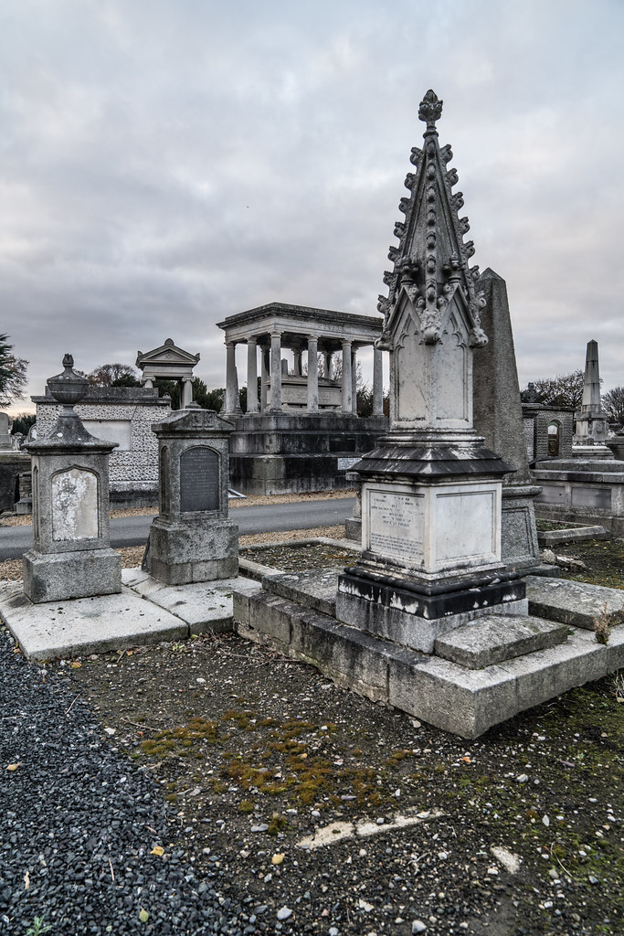 MOUNT JEROME CEMETERY IS AN INTERESTING PLACE TO VISIT [IT CLOSES AT 4PM]-134362