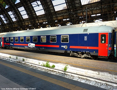 61 83 59-90 103-9 I-TI Bc (Luca Adorna) Tags: carrozza coach italianrailways italianrailway ic intercity intercitynotte comfort fs milano milan milanocentrale stazionemilanocentrale milancentralstation