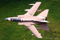 """""""Pinky"""" passing Cad East (Artyom Anikeev) Tags: avia aviation airplane artyomanikeev anikeev airforce united kinghdom wales lfa7 machloop machynlleth military canon cad east panavia tornado pinky"""