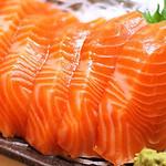 """Cách làm món sashimi cá hồi """"chuẩn"""" phong cách nhật bản thumbnail"""