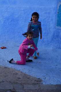 little girls Chefchaouen Morocco_2066
