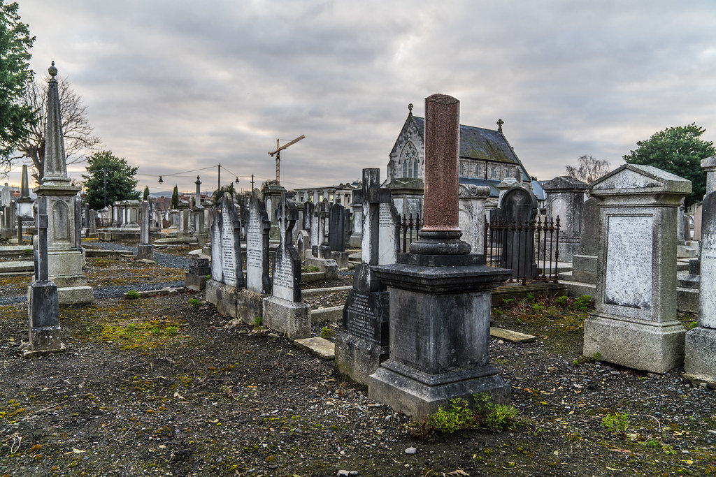 MOUNT JEROME CEMETERY IS AN INTERESTING PLACE TO VISIT [IT CLOSES AT 4PM]-134276