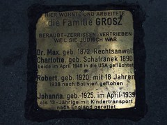 A Viennese family torn apart by Nazism - lest we forget (TeaMeister) Tags: train boat interrail seat61 europe austria vienna cities architecture nazi persecution holocaust jewish europeanunion unioneuropeenne europaischeunion unioneuropea uniaoeuropeia unioneeuropea stolpersteine refugees createyourownstory pavement antisemitism migrants brexit