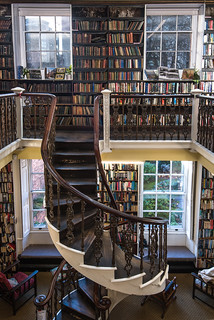 Bromley House Library