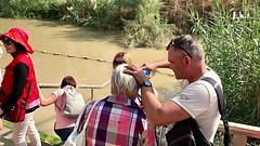 8 - Zarándokok a Jordán folyónál - keresztségi fogadalom megújítása / Pútnici pri rieke Jordán - obnovenie krstných sľubov