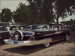 Skyliner (novice09) Tags: backtothefifties carshow ford 1959 galaxie fenderskirts whitewalls continentalkit ipiccy