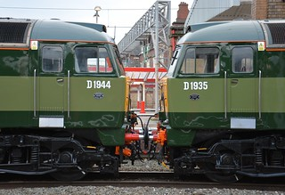 D1944 and D1935 Crewe 05/12/2017.