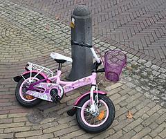 2017 Beleef Doorn (Steenvoorde Leen - 13.8 ml views) Tags: 2017 doorn utrechtseheuvelrug beleefdoorn people winkel shop bike fiets velo fahrrad kinderfiets childbike rijwiel bicicle bicicleta biciclo camelo cycle vehicle