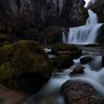Cascade de la Billaude à la tombée de la nuit thumbnail