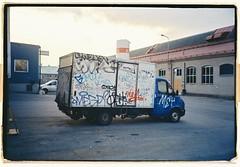Truck (Oberoende Slav 2.0) Tags: 35mm olympus mju μmjuii kodak truck grafitti colorplus 200 slakthusområdet