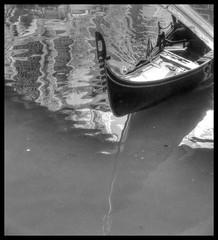 Gondola, Rio de San Zulan, Sestière di San Marco, Venice, Italy (Stuart Smith AUS) Tags: bw blackwhite blackandwhite canal geo:lat=4543576667 geo:lon=1233984167 geotagged gondola httpstudiaphotos ita italy monochrome riodesanzulan sanmarco sepia sestièredisanmarco stuartsmith stuartsmithstudiaphotos studiaphotos trento veneto wwwstudiaphotos reflection