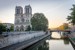Morning at Notre Dame (sire_harvey) Tags: france paris notre dame morning sunrise water bridge europe