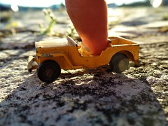 Playing in the sunset (Lenaprof) Tags: macromondays fingertips