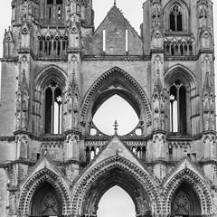 st Jean des vignes (Rudy Pilarski) Tags: nikon ngc nb bw bâtiment saint jean des vignes soissons france abbaye architectura architecture arche ancien old tamron d7100 2470 monochrome monuments