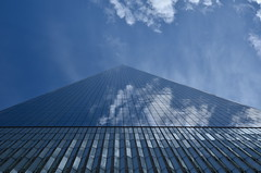 One World Trade Center (franciscogualtieri) Tags: usa nyc oneworldtradecenter sky clouds blue reflections nikond7000
