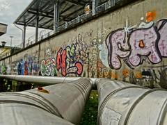 Murales e condotte. Milano (diegoavanzi) Tags: milano milan italia italy lombardia lombardy murales condotte pipes hdr sony hx300 bridge parco finzi