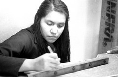 Artesana (Felipe Cárdenas-Támara) Tags: viajes analoguephotography analogphotography felipecárdenastámara felipecárdenastàmara colombianphotographers artesana elmar 50mm leica leicam6