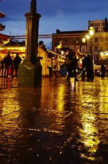 Damp revellers (Sundornvic) Tags: christmas edinburgh lights stalls amusements city