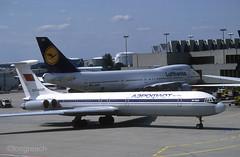 Aeroflot Il-62M 'CCCP-86520' (Longreach - Jonathan McDonnell) Tags: scan scanfromaslide frankfurt frankfurtammain eddf boeing 747 747200 747230 il62 il62m cccp86520 dabzd lufthansa aeroflot aeroflotrussianairlines ilyushin ilyushin62 739007 1990s 1992 06091992