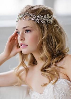 f2069059ac391 هذه أجمل اكسسوارات شعر العروس لعام 2017 (Arab.Lady) Tags  هذه أجمل