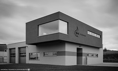 The new fire Station of Dahenfeld. (andreasheinrich) Tags: architecture firestation longexposure november afternoon blackandwhite blackandwhitephotos cold overcast windy germany badenwürttemberg neckarsulm dahenfeld deutschland architektur feuerwache langzeitbelichtung nachmittag schwarzweis kalt bewölkt windig nikond7000