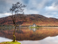 Peaceful at Kilchurn (Stoates-Findhorn) Tags: loch autumn awe 2017 scotland historic argyll reflections monadhdriseig kilchurn castle dalmally bute ruin unitedkingdom gb